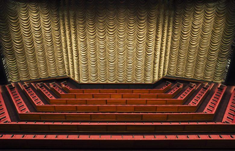 kaupunginteatteri-2-1-scaled-e1579186671218.jpg (100 KB)
